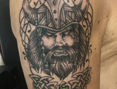 GOLDIE-TATTOO-Tarbes.juin.2020.web.viking-trefle.jpg